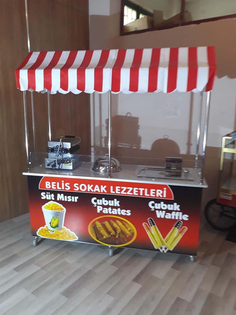Çubukta Waffle Çubukta Patates Bardakta Süt Mısır Arabası